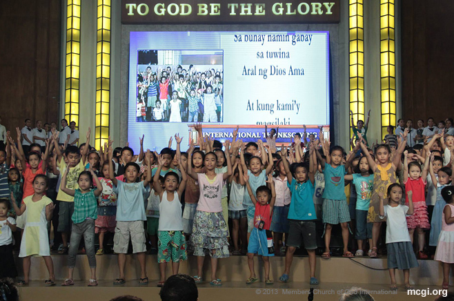 Leading the brethren in presenting songs of praises to the Lord during MCGI's Thanksgivings is the children's ministry or Kawan ng Cordero. (Photo by Rovic Balunsay)