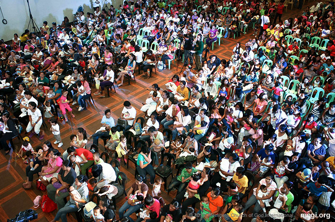 Members of the Church of God International participated in the Simultaneous Breastfeeding on October 24, 2013 in an attempt to break the Guinness World Record with more than 35,000 mother-infant pairs.