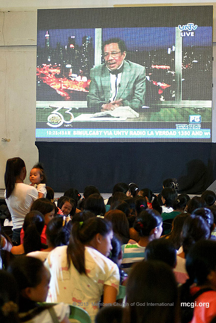 Sharing the Bible's perspective on the importance of breastfeeding, Ang Dating Daan host and MCGI Leader Bro. Eli Soriano gave a few remarks in the event. (Photo by: Frederick Avior, Photoville International)