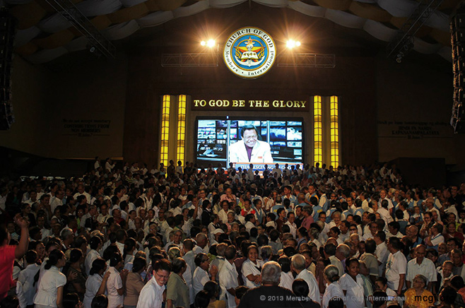 Bro. Eliseo Soriano Leads MCGI Senior Citizens in Thanksgiving Offering to God