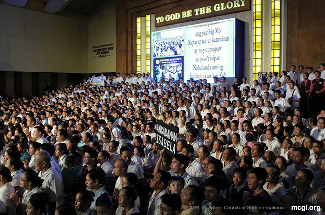 Members of the Church of God at the ADD Convention Center in Apalit, Pampanga offering thanks to God. Thanksgiving is a weekly activity of the Church.