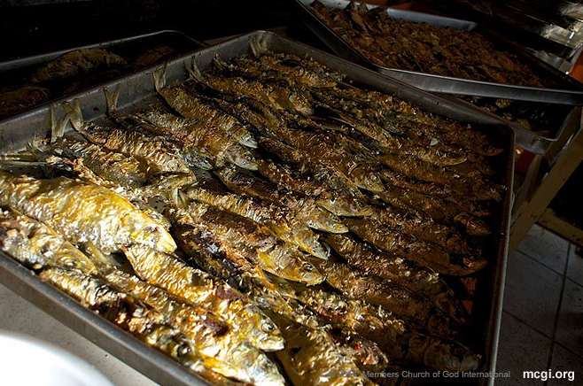 A home away from home: A local Filipino favorite, the tinapang isda, or dried fish, are prepared for both Filipino and foreign attendees of the International Thanksgiving in South America. Photo courtesy of Aaron Romero, PVI NY