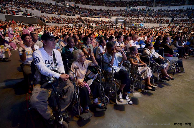 Physically disabled persons or in MCGI terms, Very Important Disabled Persons (VIDP), take the front row seats at the Smart-Araneta Coliseum for the Worldwide BIble Exposition on October 30, 2014. (Photo courtesy of PVI)